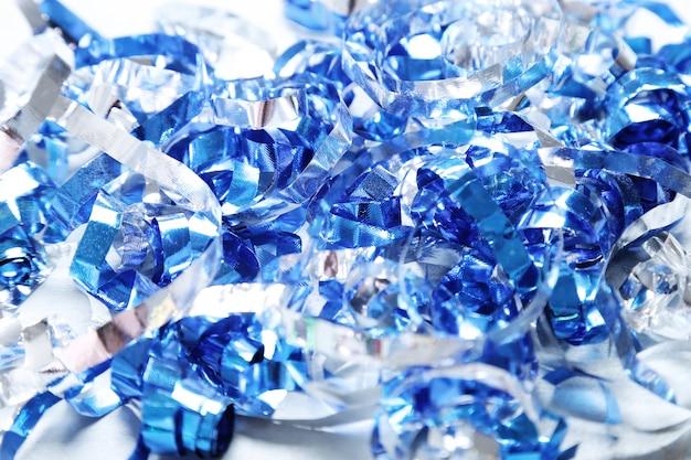 Serpentina azul y plata