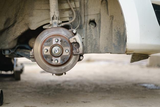 Servicio de cambio de rueda de coche