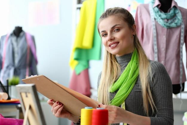Servicio de confección y costura creación de ropa