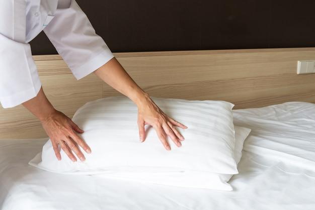 Servicio de limpieza de habitaciones de hotel
