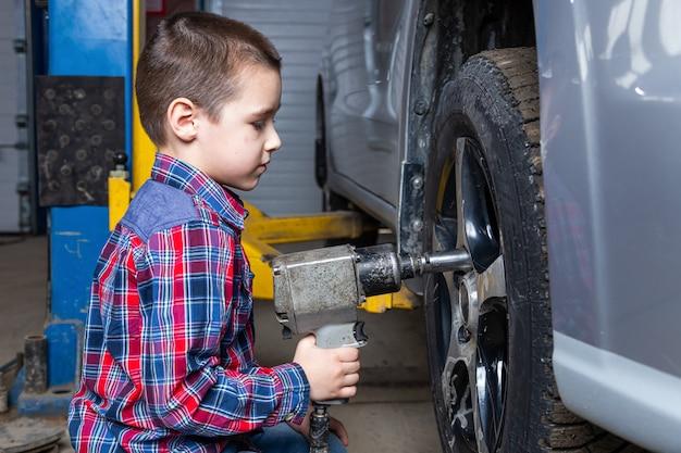 Servicio de reparación de automóviles.