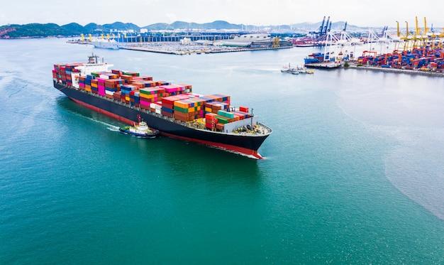 Servicios empresariales de embarque de contenedores de carga de importación.