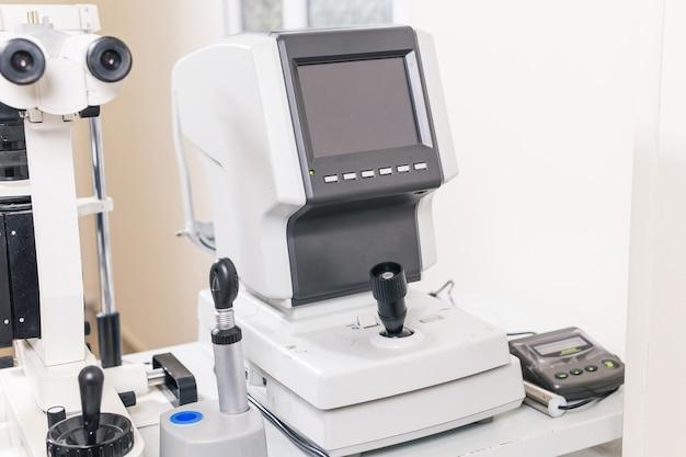 Servicios y equipos de oftalmología