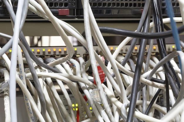 Servidor de red cable de red enchufe