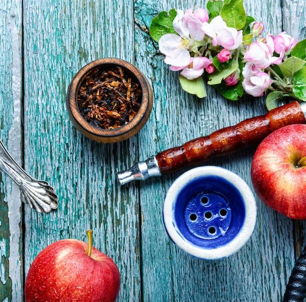 Shisha árabe con tabaco de manzana