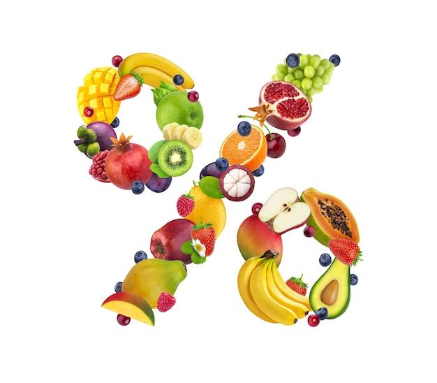 Signo de porcentaje hecho de diferentes frutas y bayas