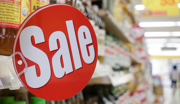 Signo de venta, banner de venta, anuncio de venta promocional de compras de comestibles.