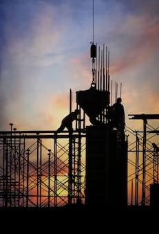 Silueta de construcción