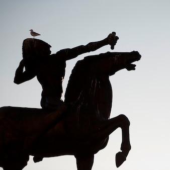 Silueta del monumento de la estatua en chicago