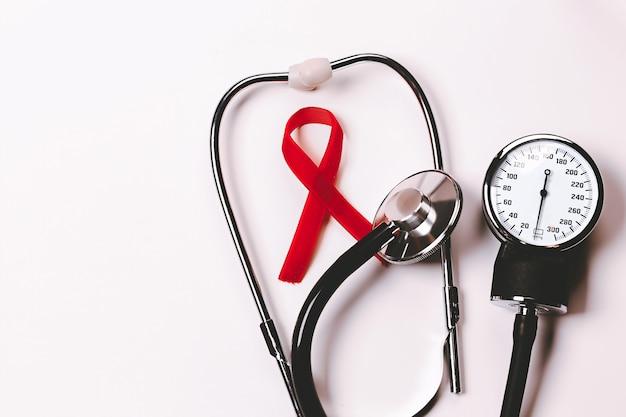 Símbolo de la conciencia del sida cinta roja día mundial del sida diciembre