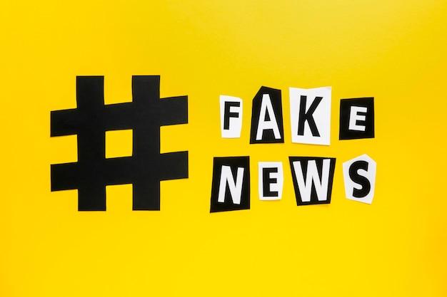 Símbolo marcado de hashtag para medios de noticias falsos