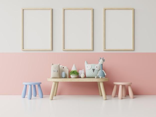 Simulacros de carteles en el interior de la habitación infantil, carteles en blanco vacío