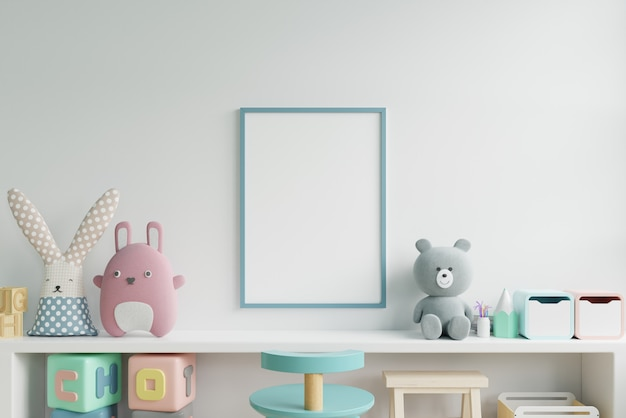 Simulacros de carteles en el interior de la habitación infantil, carteles sobre fondo de pared blanca vacía.