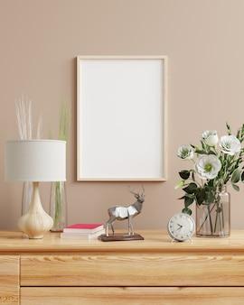 Simulacros de marco de fotos de madera en el estante de madera con decoración, representación 3d