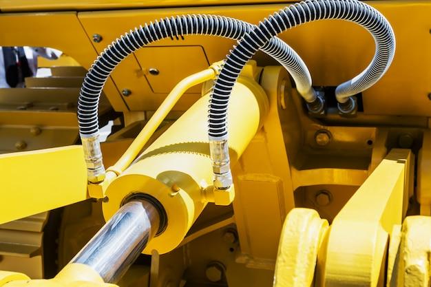 Sistema hidráulico de tractor o excavadora.