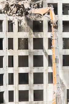 Sitio de demolición de un edificio.
