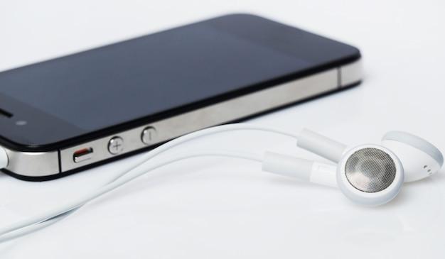 Smartphone con auriculares