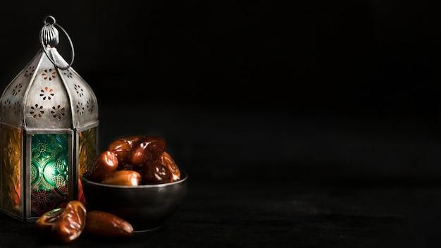 Snacks para ramadán con espacio de copia