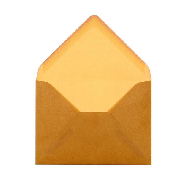 Un sobre abierto de color marrón