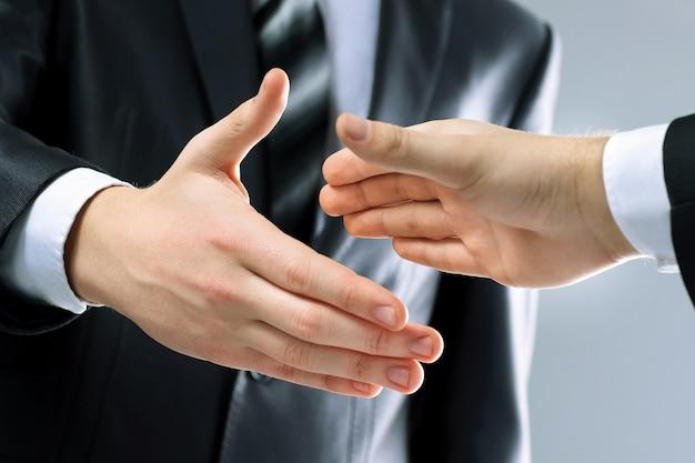 Socios comerciales de apretón de manos