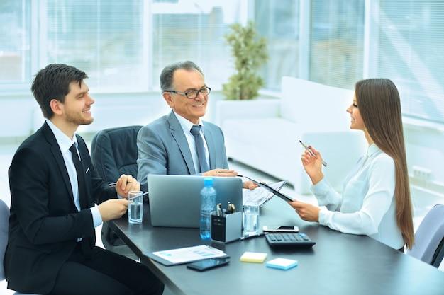 Socios comerciales para discutir el plan de cooperación