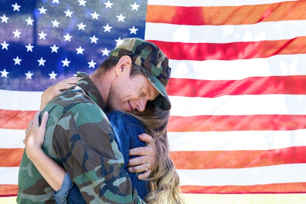 Soldado estadounidense se reunió con su compañero