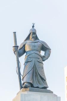 Soldado estatua en la ciudad de seúl corea