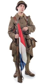 Soldado francés 1940 aislado en el fondo blanco.