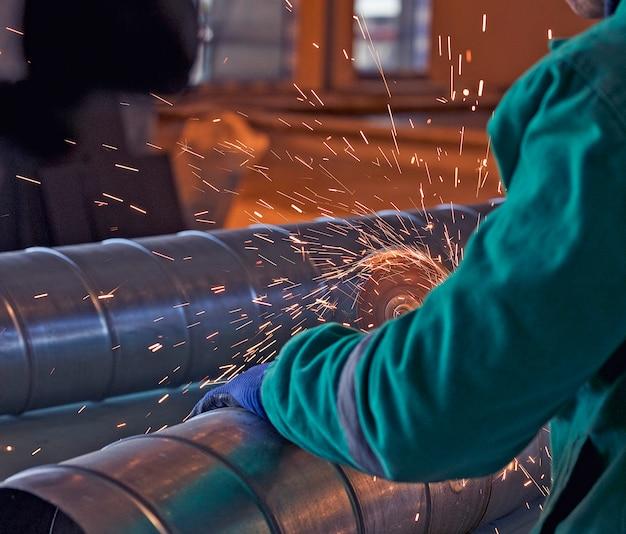 Soldadura por arco de acero en obra