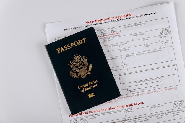 Solicitud de registro de votante de los estados unidos con pasaporte de los estados unidos