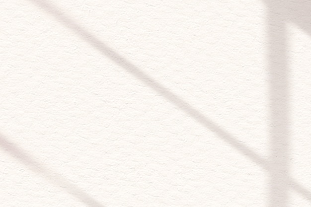 Sombra de ventana estética de color blanquecino sobre fondo de textura