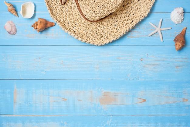 Sombrero y cáscara en azul