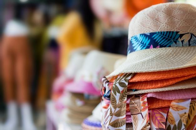 Sombreros escaparate perspectiva tienda de mercado