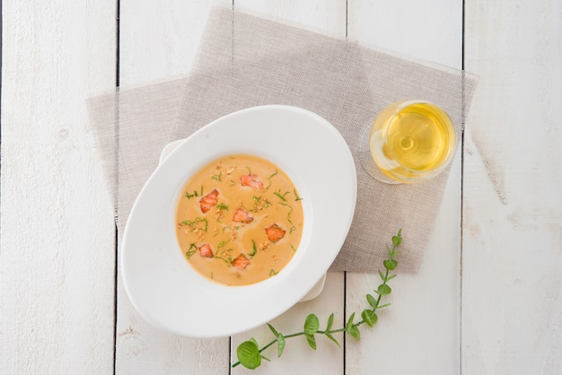 Sopa cremosa de pescado