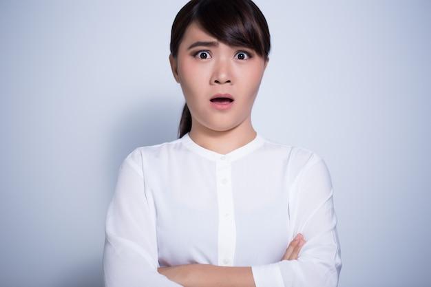 Sorpresa mujer infeliz