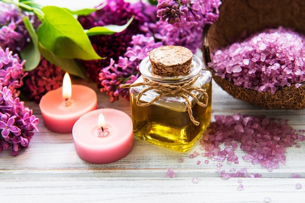 Spa con flores de color lila