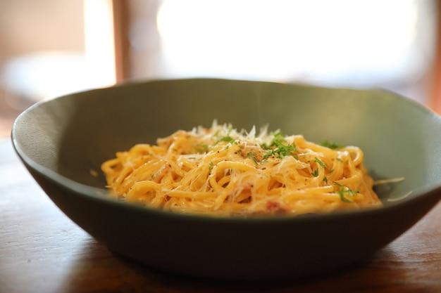 Spaghetti carbonara, cocina italiana