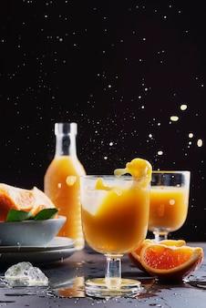 Splash de un cóctel orande