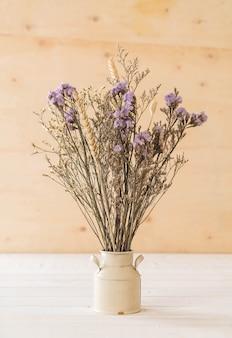 Statice y flores de caspia
