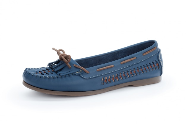 Suela plana zapatos de mujer aislados en blanco