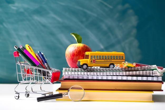 Suministros de concepto de regreso a la escuela