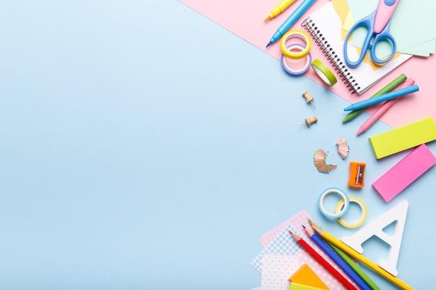 Suministros estacionarios de colores