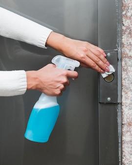 Superficie desinfectante de manos