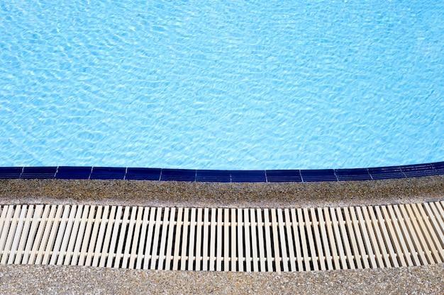 Superficie de la piscina de agua para el fondo.