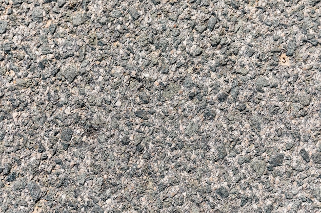 Superficie rugosa del asfalto.