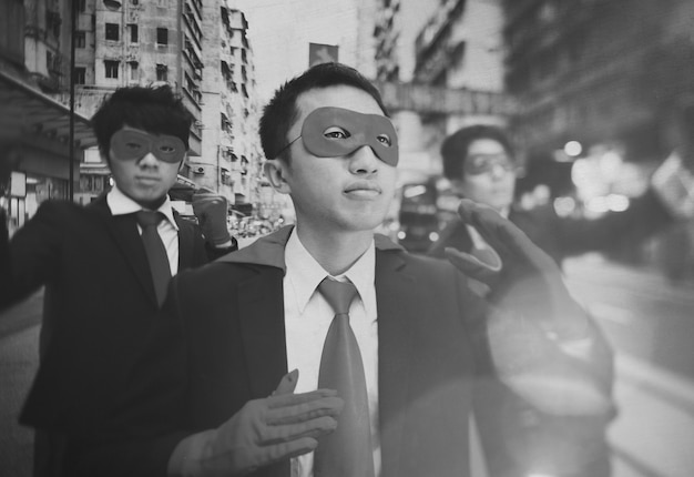 Superhéroes de negocios de origen étnico chino.