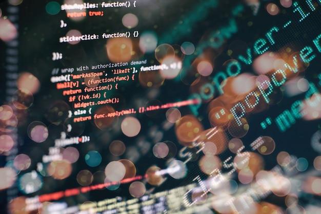 Supervisar el primer plano del código fuente de la función. escribir funciones de programación en la computadora portátil. tendencia de big data e internet de las cosas.