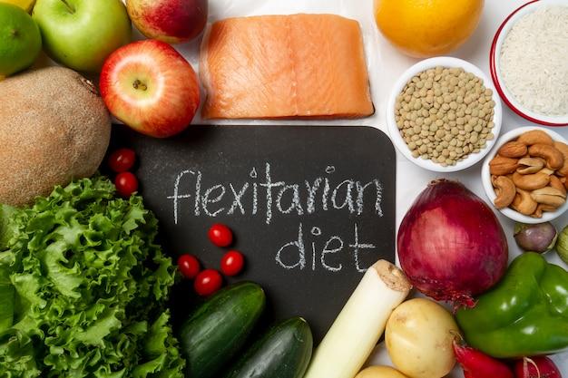Surtido de alimentos de dieta flexitariana fácil