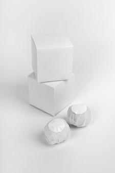 Surtido creativo de bombas de baño empaquetadas