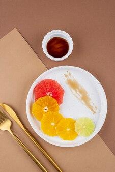 Surtido creativo de comida deliciosa.